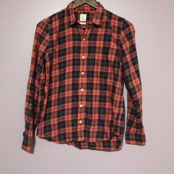 Gap Tops - Gap The Fitted Boyfriend long sleeve Plaid BluPink